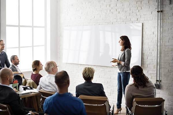 15 VI 2021 r. 17:00-20:00<br/>Metody coachingowe w  rozwiązywaniu sytuacji kryzysowych  w szkole. Jak prowadzić trudne  rozmowy z rodzicami, uczniami i w  gronie pedagogicznym<br/>190 zł