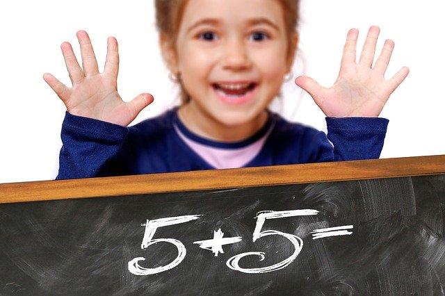 14 XII 2021 r 17:30-20:30<br/>Matematyka w działaniu-ruch i zabawa<br/>160 zł