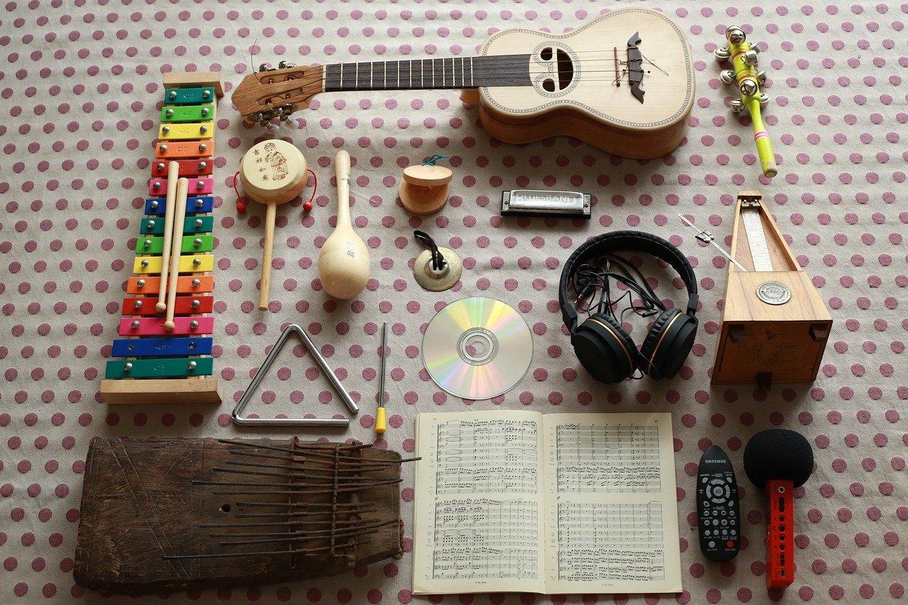2 XII 2021 r. 17:30-20:30<br/>Aktywne słuchanie muzyki  w koncepcji Batii Strauss<br/>160 zł